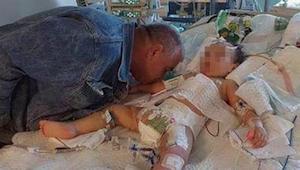 Een vader gaf zijn stervende dochtertje een afscheidskus. Het 2-jarige meisje wa