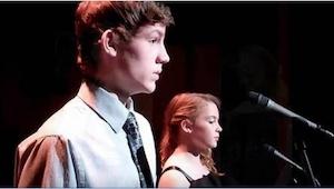 Een tienerpaar voert het beroemde nummer The Prayer uit. Je zult verbaasd zijn w