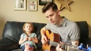 Een man begon prachtig te zingen, maar toen een 4-jarig meisje inzette, had ik k