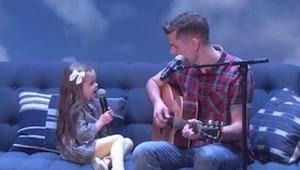 Vader begon op de gitaar te spelen en te zingen, maar toen zijn 4-jarige dochter