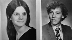In 1977 gingen ze op een date maar hij belde daarna niet meer op. In 2010 ontdek