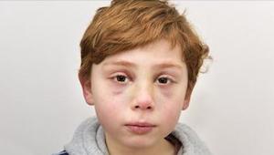 Niemand wilde naar deze 7-jarige jongen luisteren en daarom voltrok zich een tra