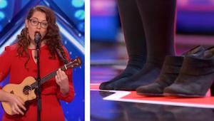 De vrouw kwam op het podium en deed haar schoenen uit. Reden? Ongelooflijk!