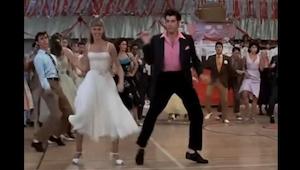 De man die deze compilatie van populaire dansscènes uit bekende filmsgemaakt hee