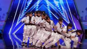 Toen deze karateka op het podium kwamen, verwachtte niemand dat ze de beste dans