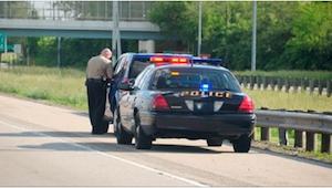 Een vader werd gestopt omdat zijn wagen te donkere ramen had , maar toen de poli