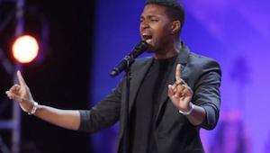Het publiek stond recht voor deze zanger die ''I Have Nothing'' van Whitney Hous