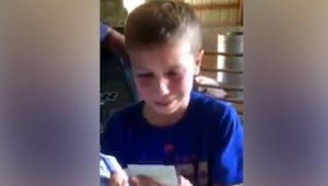 De 9-jarige studeerde goed en werkte hard op de familieboerderij, daarvoor gaf z