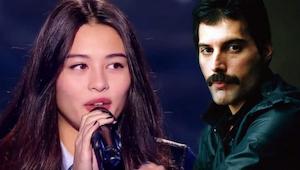 Het jonge meisje bracht  Bohemian Rhapsody op een manier dat de voltallige jury