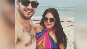 Hij publiceerde foto's van zijn vrouw in zwempak. Wat hij over haar lichaam schr