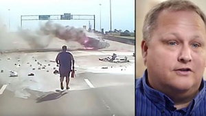 De vrachtwagenchauffeur merkte een schrikwekkend ongeval op en haastte zich om t
