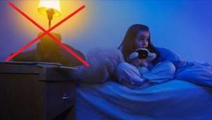 Een belangrijke reden waarom kinderen nooit mogen slapen met het licht aan.