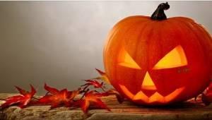 Een ex-satanist is ontsteld wanneer hij ziet hoe Christelijke ouders Halloween v