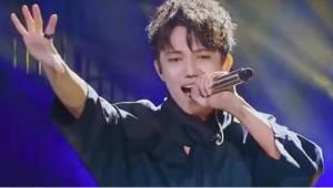 Een 23-jarige zanger heeft een stem die hemels is verklaard. Verbaast ons niks!