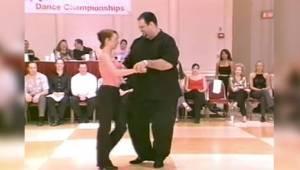 Een danser met veel overgewicht bewees alle sceptici dat dansen niets te maken h