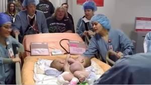 Geen van de 75 specialisten in de operatiekamer kon zijn tranen in bedwang houde