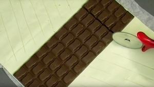 Plaats een chocoladereep in de oven en verkrijg een heerlijk dessert om je vinge