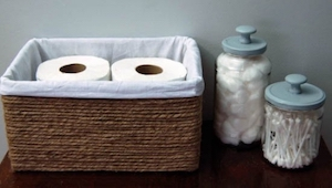 Hoe kun je een kartonnen doos veranderen in iets dat iedereen in zijn badkamer z