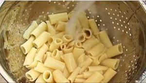 Ik heb mijn hele leven lang verkeerd pasta gekookt en jullie vast ook. Leer wat