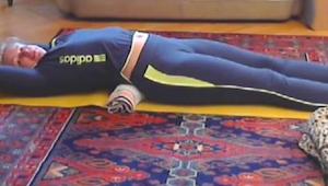 Deze oefiningen van 5 minuten zal je ruggengraat ontspannen en je na 10 dageneen
