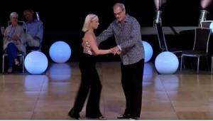 Het publiek werd waanzinnig toen dit paar op de dansvloer verscheen! Op het eers